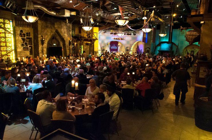 Foto: Filmpark Babelsberg, Dinnershow im Erlebnisrestaurant Prinz Eisenherz
