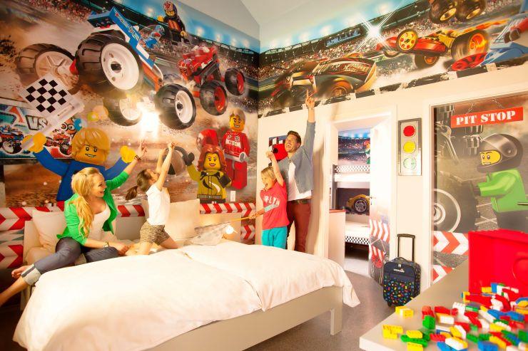 Foto: LEGOLAND Deutschland Resort, Feriendorf, Rennfahrer Zimmer