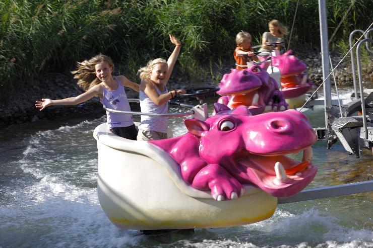 Foto: Ravensburger Spieleland, Nilpferd in der Wasserbahn