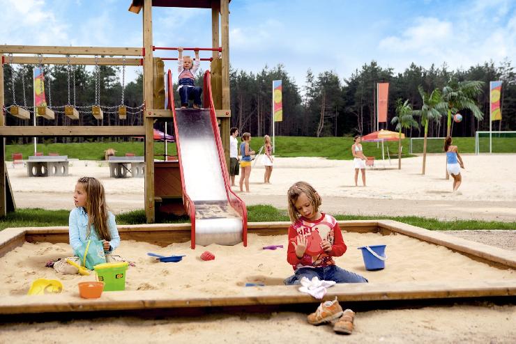 Foto: Heide-Park Soltau GmbH, Holiday Camp, Spielplatz und Sportbereich