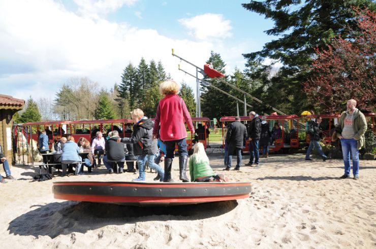 Foto: Familien-Freizeitpark Tolk-Schau, Drehscheibe