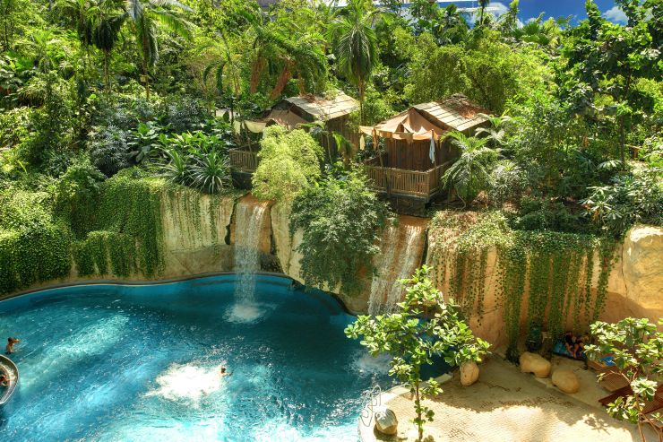 Foto: Tropical Islands, WASSERFALL Abenteuer-Lodge