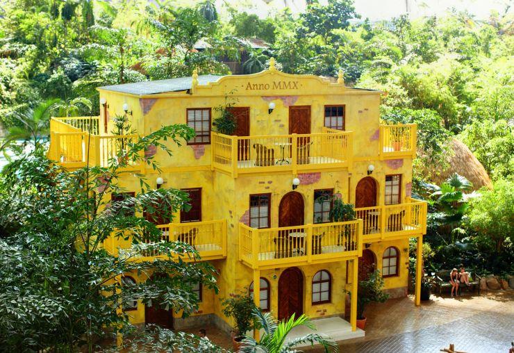 Foto: Tropical Islands, GELBES HAUS Komfort-Zimmer