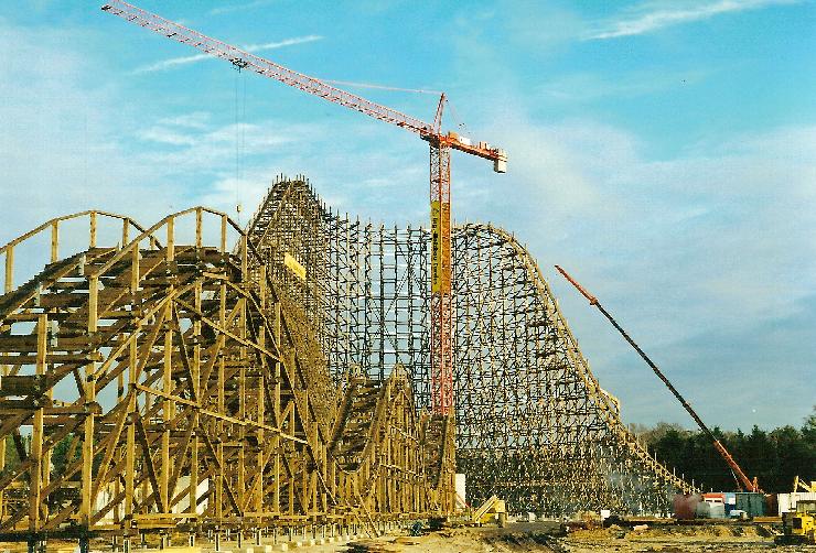 Foto: Heide Park, Bau der Holzachterbahn Colossos 2001