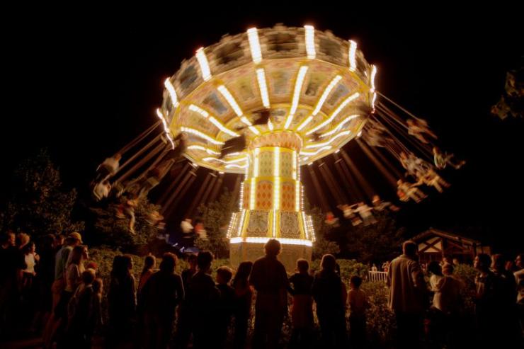 Foto: Skyline Park, Skyline Park bei Nacht, Wellenflieger