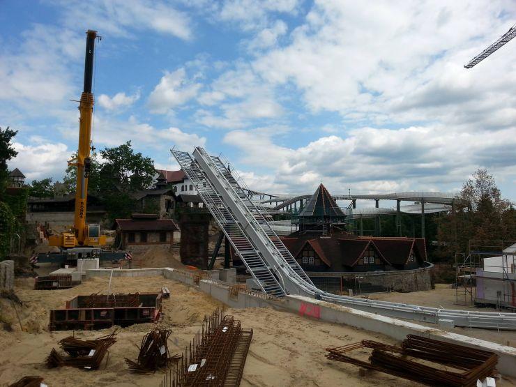 Foto: Maurice Thom, Bau der neuen Achterbahn 2014 im Heide Park