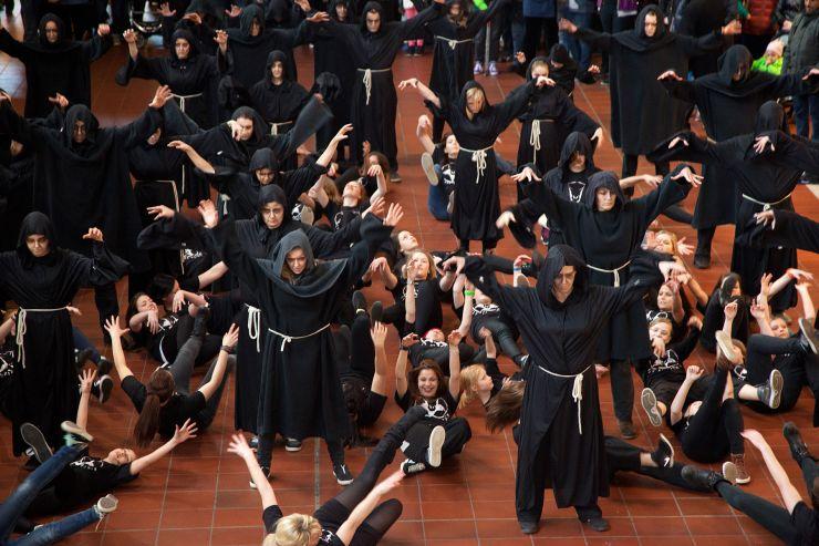 Foto: Heide Park Resort, Flug der Dämonen Flashmob