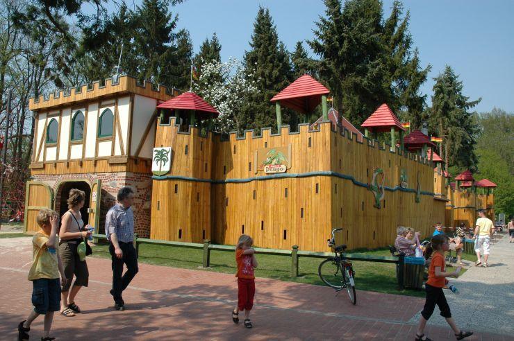 Foto: Ferienzentrum Schloss Dankern, Spielburg Drago