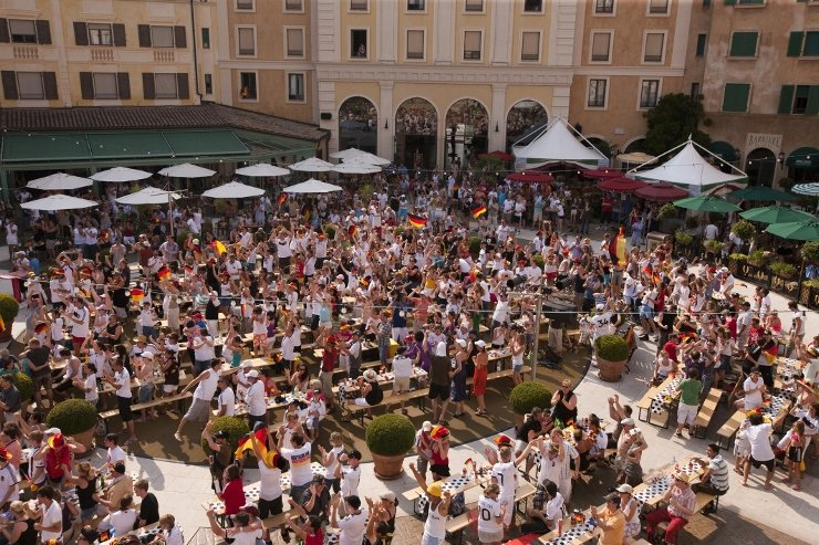 Foto: Europa-Park, Public Viewing - Piazza Colosseo