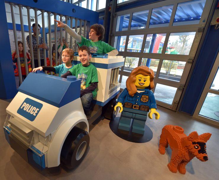 Foto: LEGOLAND Deutschland,  Bild von der Eröffnung der neuen LEGO City Polizeistation