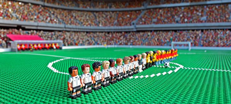Foto: LEGOLAND Deutschland Resort, Die Spieler der neuen LEGO Minifiguren Serie DFB